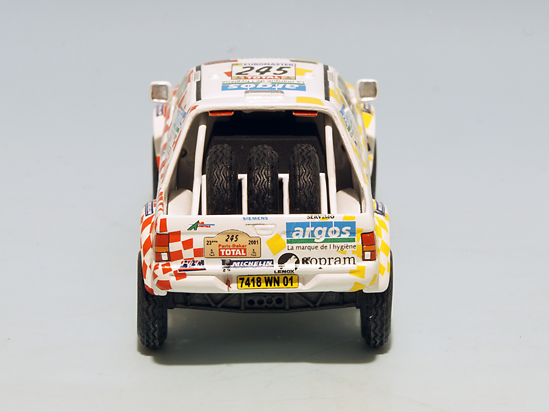 2208 Mitsubishi Stakar Dakar 2001 06