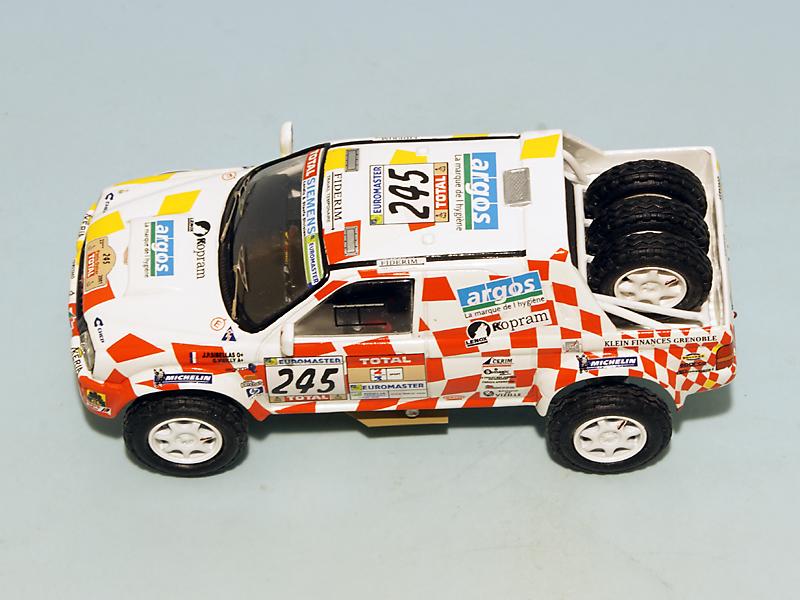 2208 Mitsubishi Stakar Dakar 2001 07