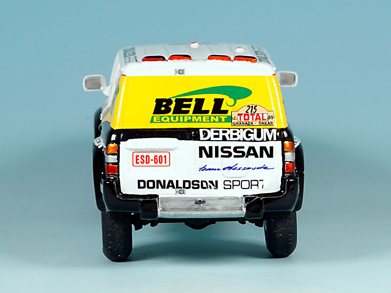 Nissan-Donaldson-Dakar-99-04