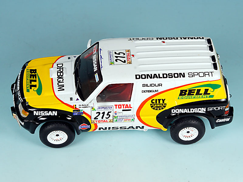 Nissan-Donaldson-Dakar-99-05