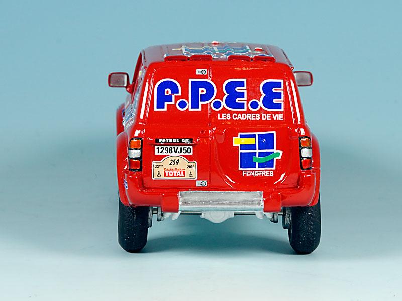 Nissan-FPEE-Dakar-2001-04