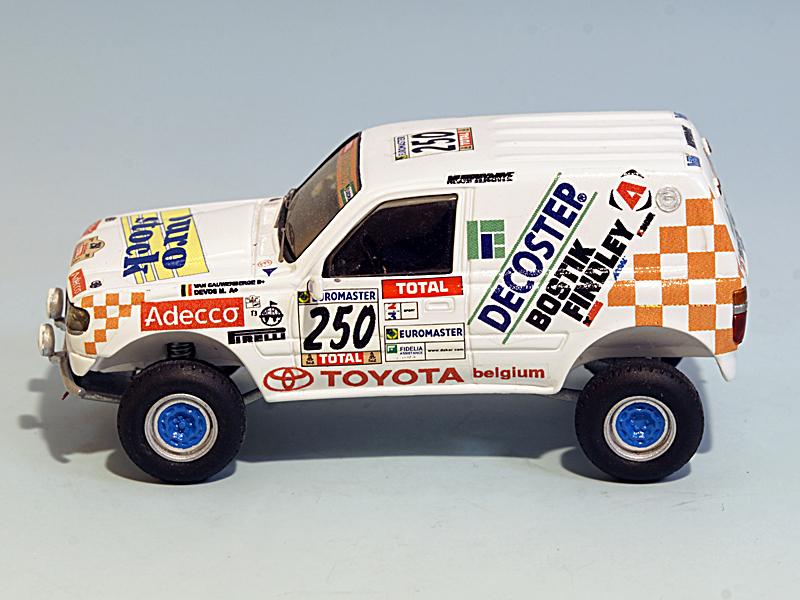 2504-toyota-hdj80-t3-adecco-2001-03