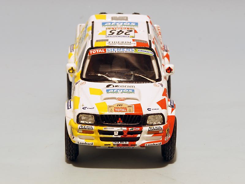 2208 Mitsubishi Stakar Dakar 2001 05