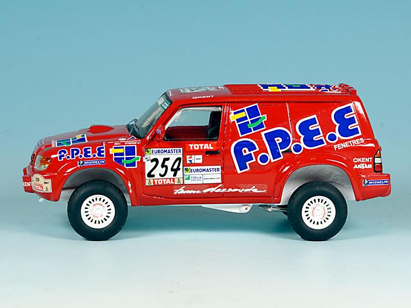 Nissan-FPEE-Dakar-2001-02